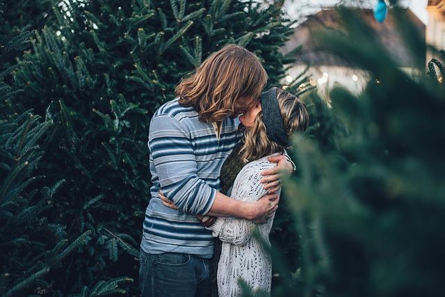 líbání u stromu