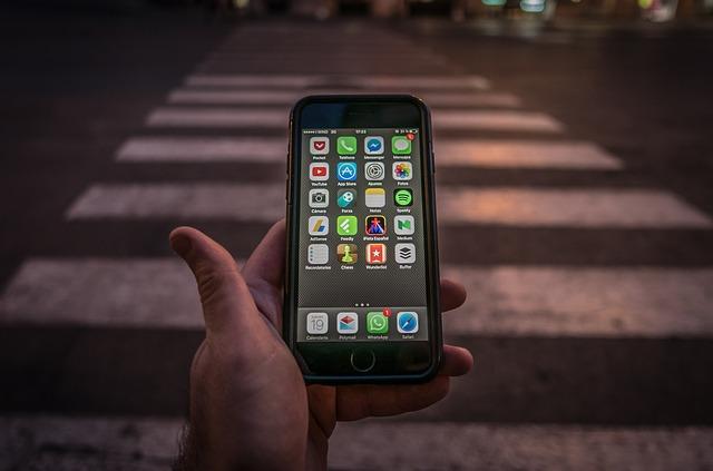 mobil na přechodu