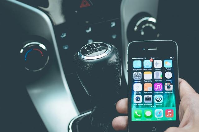 mobil a řadící páka