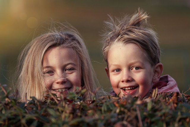 šťastné děti venku